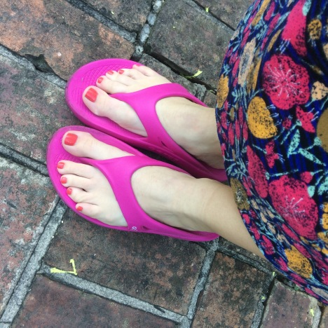 f69c71a45 96452626-9866-4590-8788-9C1D986B8B84.jpeg Here I am in my OOFOS OOriginal  Project Pink sandals ...