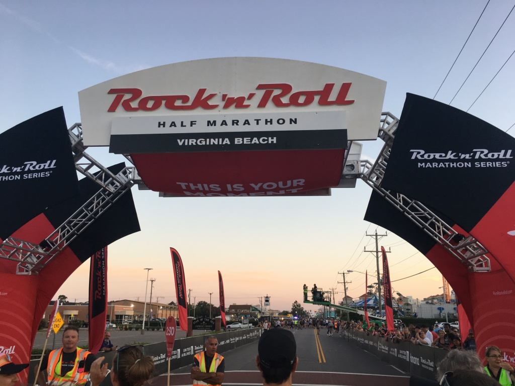 Rock 'n' Roll Virginia Beach start line